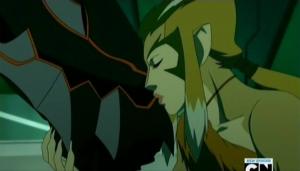 Pumyra kissing the Gauntlet of Plundarr